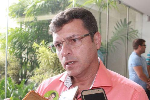 vitor hugo walla santos 300x200 - MP reconhece ilegalidade de processo legislativo da Câmara de Cabedelo e impede reajuste de servidores - VEJA VÍDEO