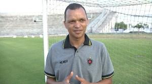 warley santos ex jogador 300x165 - Warley vai ser o técnico interino do Botafogo-PB, após demissão de Evaristo Piza
