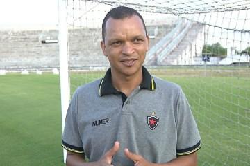 NOVOS RUMOS: Ex-craque Warley deixa Botafogo para iniciar carreira de técnico