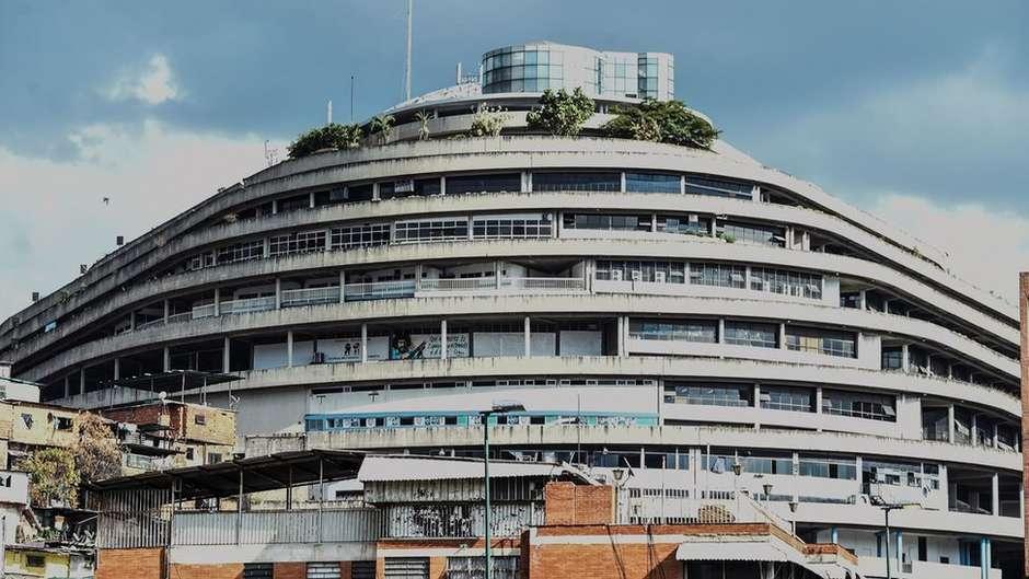 10519331644bf7d62 b700 4013 a2aa a6f09ad729ef - EL HELICOIDE: conheça o shopping center de luxo que virou centro de tortura de presos políticos na Venezuela