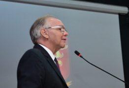 Em discurso de posse, Arnóbio Viana propõe um TCE indutor do desenvolvimento