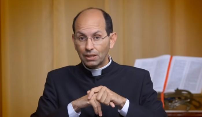 Capturar 5 - Bolsonaro divulga vídeo de padre defensor do armamento. 'Cristão não é pacifista', diz religioso