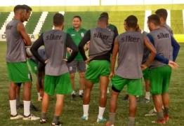 Roberto Carlos elogia grupo do Sousa e espera reação já neste fim de semana