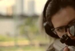 Após decreto do presidente, Joice Hasselmann publica vídeo com fuzil e defende porte