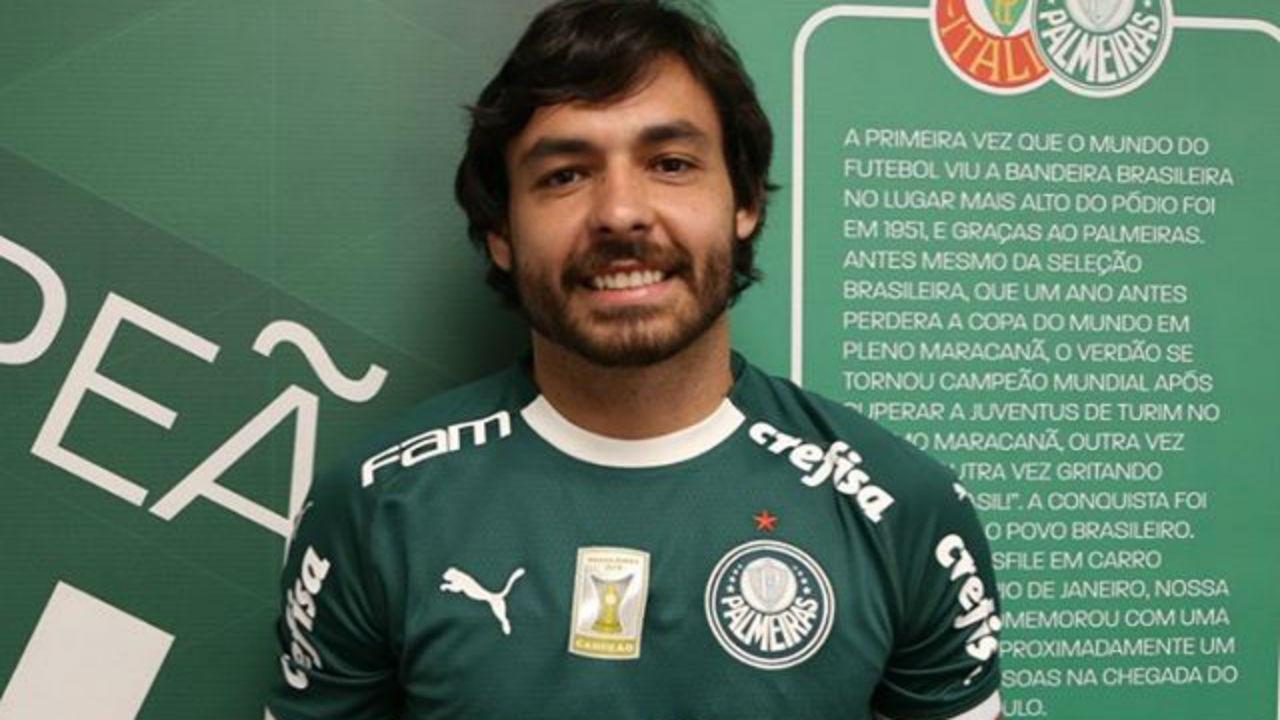 Ricardo Goulart apresentacao Palmeiras 720 Reproducao instagram - Palmeiras bate R$ 459 milhões e abre vantagem para o Flamengo