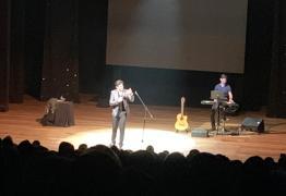 SHOW DE HUMOR: Lucas Veloso apresenta seu novo espetáculo em João Pessoa – VEJA VÍDEOS