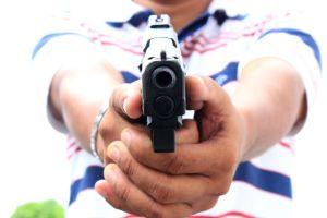 arma de fogo 300x200 - Pastor é baleado dentro de igreja em João Pessoa