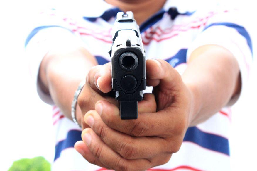 arma de fogo - Homem é baleado após reagir a tentativa de assalto a lotérica em Solânea
