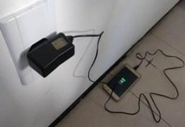 Corpo de Bombeiros alerta para cuidados no manuseio de carregadores de celulares