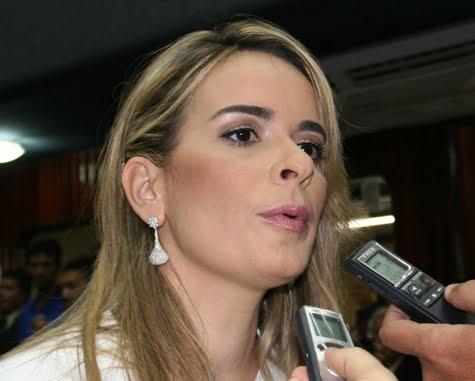 """daniela 1 - Daniella anuncia apoio a Espiridião Amin para Presidência do Senado: """"Não existe compromisso do Progressistas com Renan"""""""