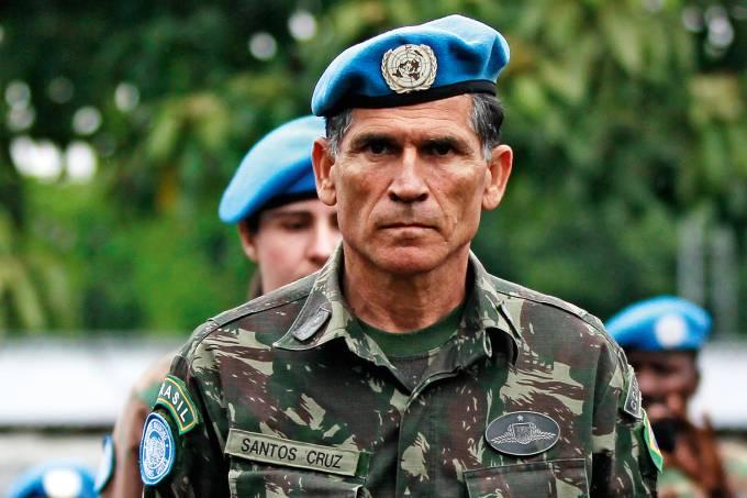 general santos cruz 2013 3344 - General Santos Cruz diz que 'Ativistas do PT têm 'obrigação moral' de sair do governo'