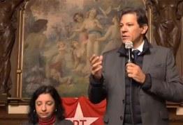 'Eu vou falar um pouco mais de seis minutos', diz Haddad em Lisboa ao ironizar Bolsonaro