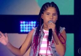 THE VOICE KIDS: Paraibana Lívia Valéria faz bonito e é escolhida por Simone e Simaria