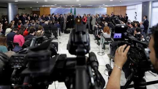 naom 5c2d1f0ce4e44 300x169 - Governo Bolsonaro ameaça liberdade de imprensa, segundo organizações