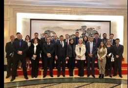 Olavo de Carvalho chama de idiotas deputados do PSL que foram à China