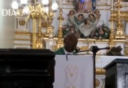 VEJA VÍDEO: 'Se gritar pega ladrão, não fica um', diz padre ao criticar impostos abusivos e corrupção