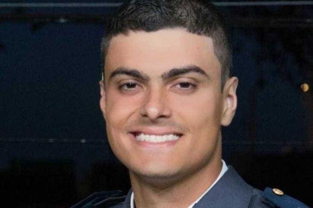 policial 300x200 - MOMENTOS DE PÂNICO: policial surta e dá tiros dentro de hospital