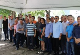João Azevedo reforça unidade e define chapas de Adriano Galdino e Hervázio Bezerra; Tião não comparece à reunião na granja