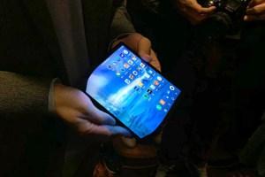 tela 300x200 - Celular com tela que dobra é aposta de chinesa na CES