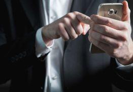 ALERTA: Golpe do material escolar gratuito já fez 600 mil vítimas em aplicativos de mensagens