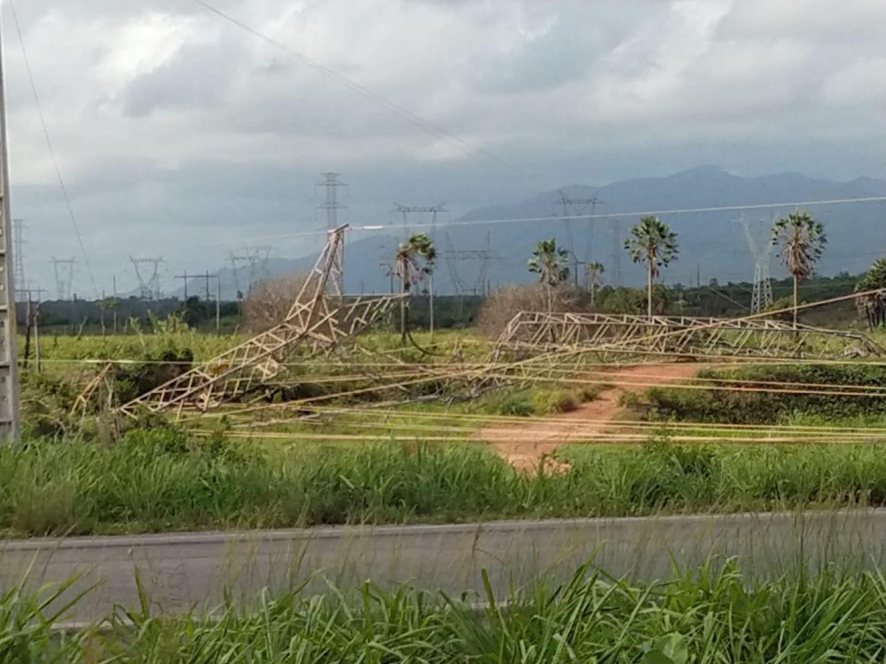 whatsapp image 2019 01 12 at 08.16.01 1 - Criminosos destroem torre de transmissão e atacam concessionária no 11º dia de onda de violência no Ceará