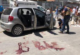 Homem sai de porta-malas, assassina outro e se mata dentro de carro na frente da ex-mulher