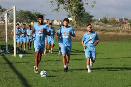 1 14 300x200 - Serrano volta aos treinos com foco com CSP