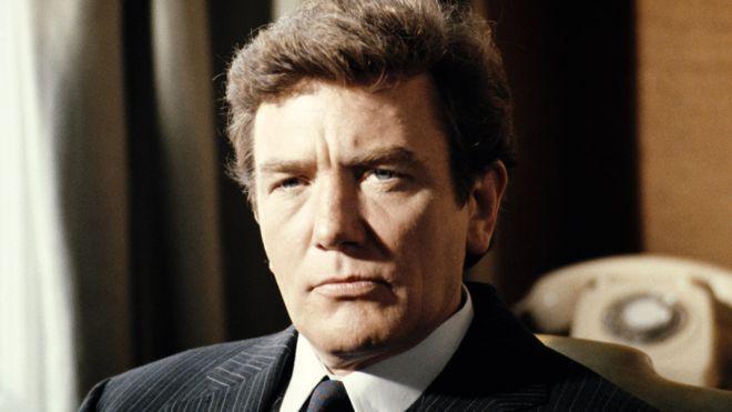 105573807 get cut - Albert Finney, ator de 'As aventuras de Tom Jones', morre aos 82 anos