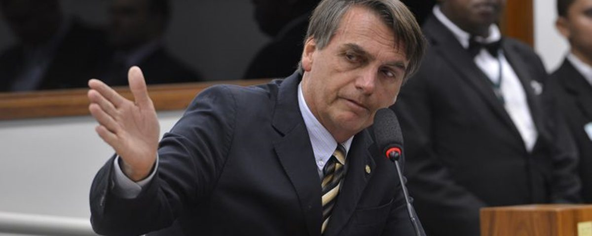 Bolsonaro 1 1200x480 - Governo Bolsonaro recria Festival de Besteiras que Assola o País - Por Nonato Guedes