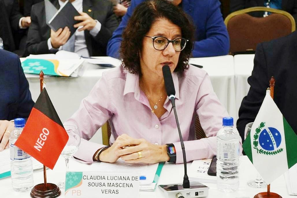 CLÁUDIA VERAS - Claudia Veras participa da Primeira Assembleia do Conselho Nacional dos Secretários de Saúde