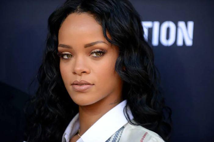 Capturardef - CONTRA VIOLÊNCIA POLICIAL: Rihanna recusa realizar tradicional Show do Intervalo no Super Bowl