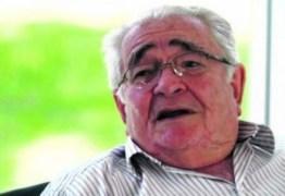 Professor Iveraldo Lucena é internado no HNSN após sofrer infarto