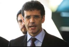 Após encontro com Bolsonaro ministro do Turismo desiste de reunião com Mourão
