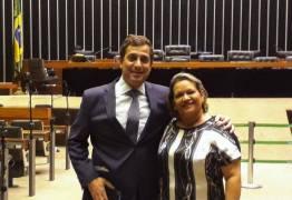 Ex-prefeita de cidade da Paraíba se muda para Brasília e vai atuar em gabinete de deputado paraibano