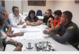 Sedurb disciplina medidas administrativas e assina Termo de Compromisso com comerciantes do Mercado de Mangabeira