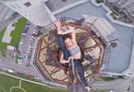 PERFORMANCE: Mulher se arrisca e faz pole dance em topo de prédio de 16 andares; VEJA VÍDEO