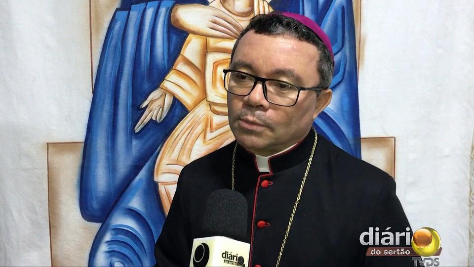bispo dom francisco - Dom Franscisco de Sales anuncia mudanças em Paróquias das regiões de Cajazeiras e Sousa