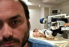 Após cinco dias em silêncio no Facebook, Bolsonaro manifesta apoio ao filho Carlos