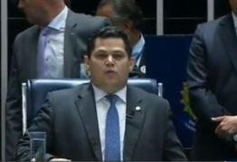 Davi Alcolumbre é eleito presidente do senado com 42 votos