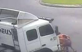 TRAGÉDIA: grávida em garupa de bicicleta morre atropelada por caminhão – VEJA VÍDEO