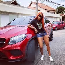 download - Ludmilla tem carro apreendido em blitz da Lei Seca, no Rio