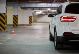 Estacionamentos particulares são responsáveis por objetos deixados em veículos