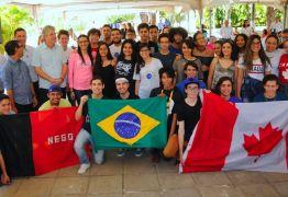 Alunos participantes do Gira Mundo 2018 retornam nesta quinta e são recepcionados pelo governo