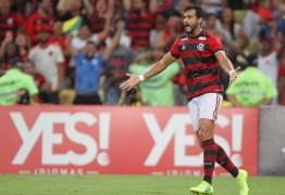 Flamengo encaminha venda de Henrique Dourado para a China