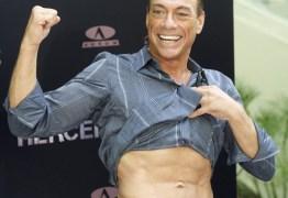 Van Damme nega boatos de morte: 'Vivo e seguindo em frente'
