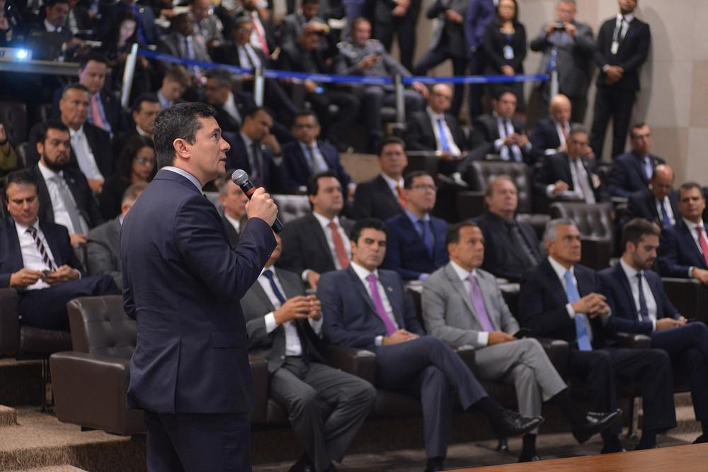 moro - Moro apresenta a governadores projeto anticrime com alterações em 14 leis