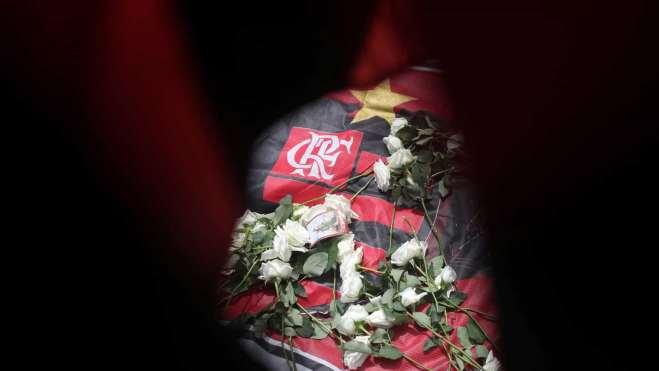 naom 5c5dd4848a911 300x169 - CBF publica nota de pesar sobre o incêndio no CT do Flamengo