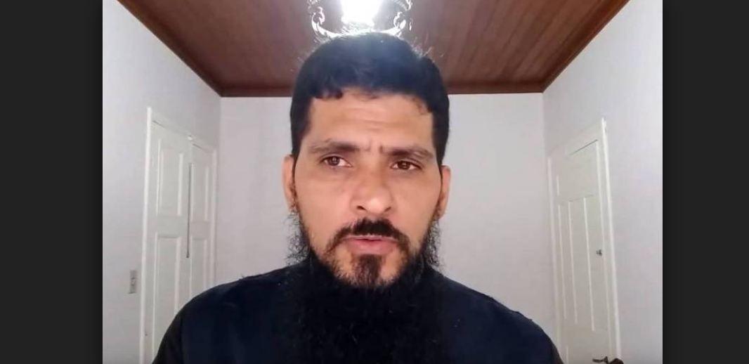 padre 2 - Padre brasileiro é excomungado após ser acusado de estuprar 11 ex-freiras
