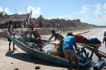 ppp - Prefeitura de Conde entrega novas caiçaras aos pescadores da Praia do Amor
