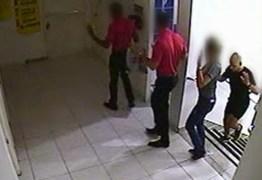 Durante assalto, 14 pessoas são feitas reféns por criminosos em loja – VEJA VÍDEO